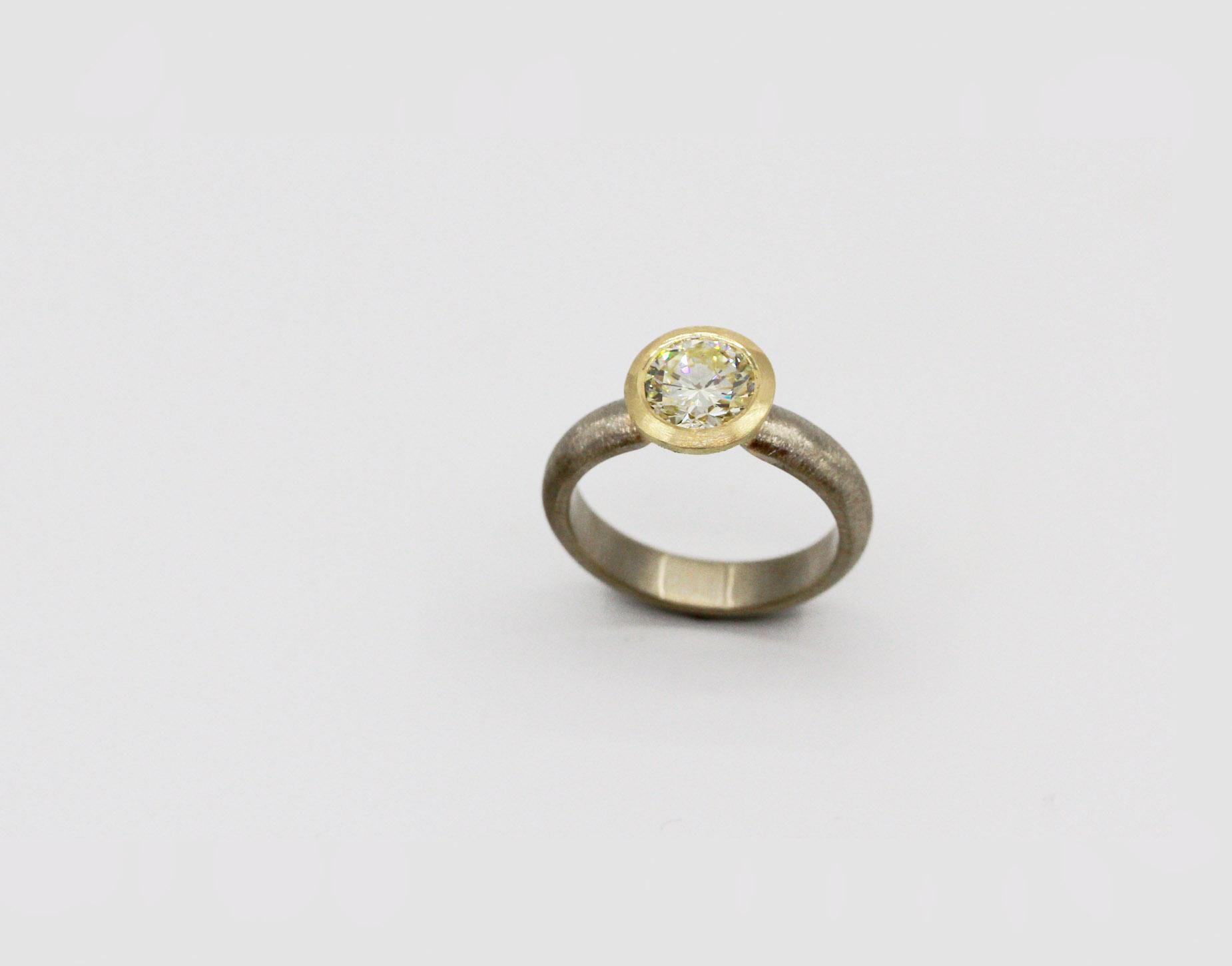 Yellow Diamond Solitaire