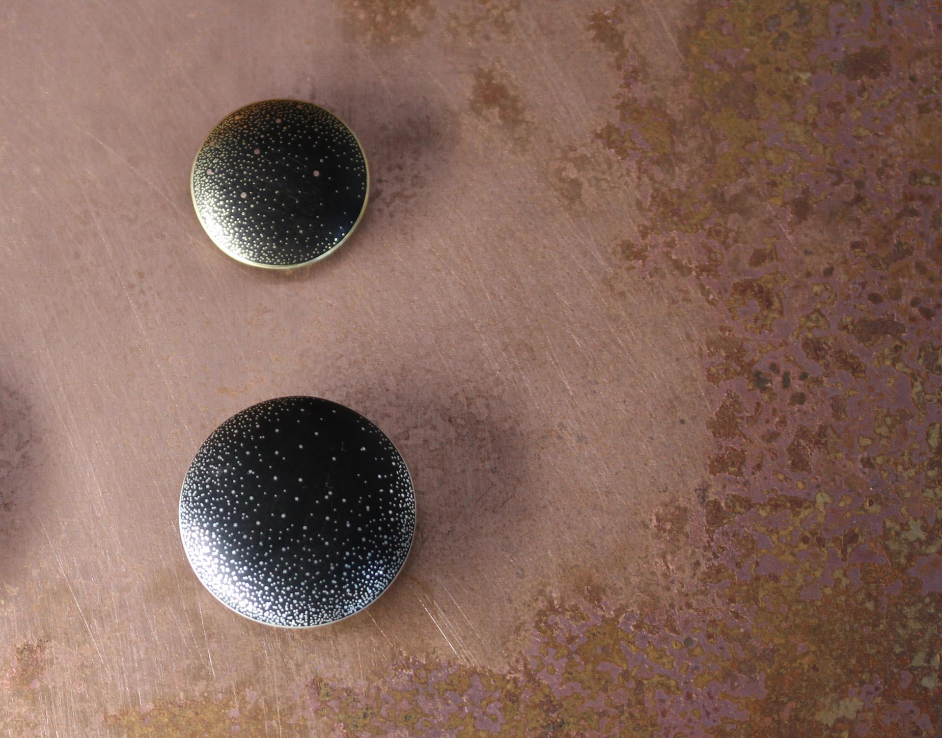 Gold Milky Way Pebble